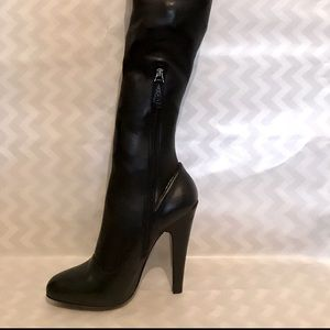 Alaia Thigh-High Boots Leather Black 37